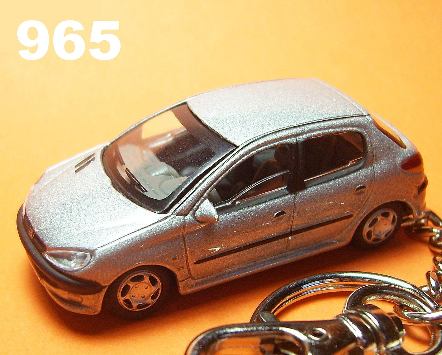 Custom Peugeot 206 5drs (Silver) Die-cast Key Chain