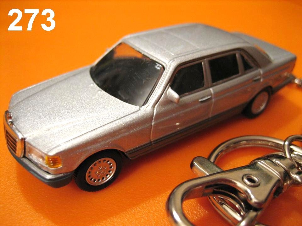 Mercedes-Benz 560 SEL (Silver) Die-cast Key Chain