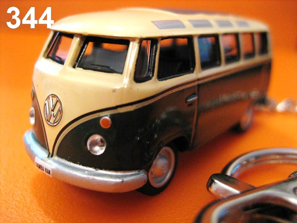 Samba Bus (Deep Green x L.Yellow) Die-cast Key Chain