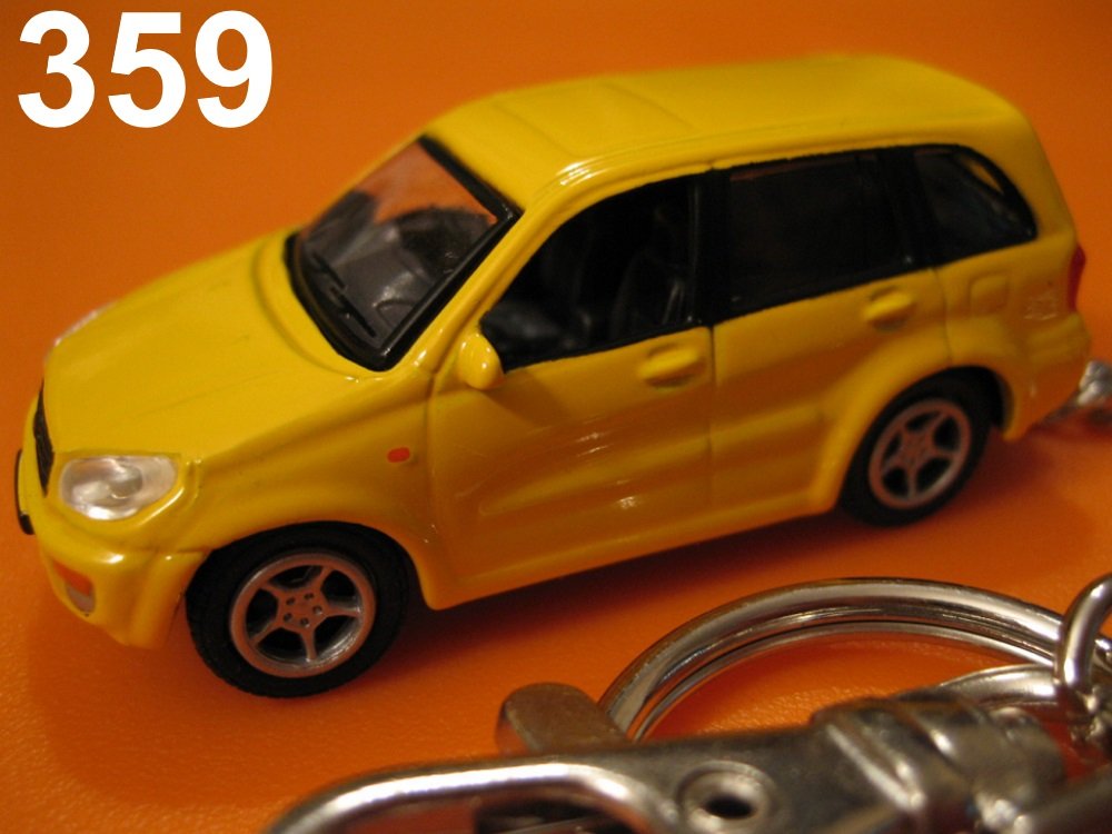 Toyota RAV4 '01-'05 4dr SUV (Yellow) Die-cast Key Chain