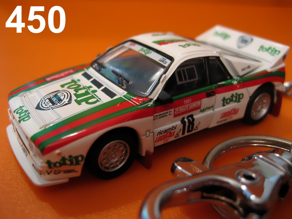 Lancia 037 Rally 1983 Sanremo #18 (White) Die-cast Key Chain