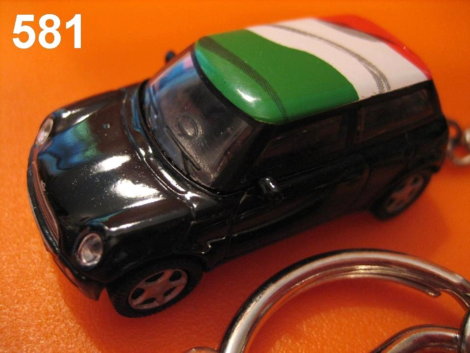 New Mini Cooper (Black body w/ Italy Flag) Die-cast Key Chain