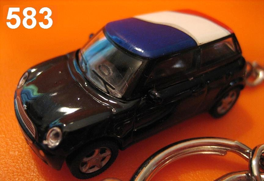 New Mini Cooper (Black body w/ France Flag) Die-cast Key Chain